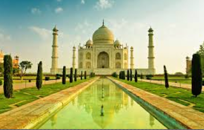 Travelling to Taj Mahal Agra, Denetim can provide persoanal protection