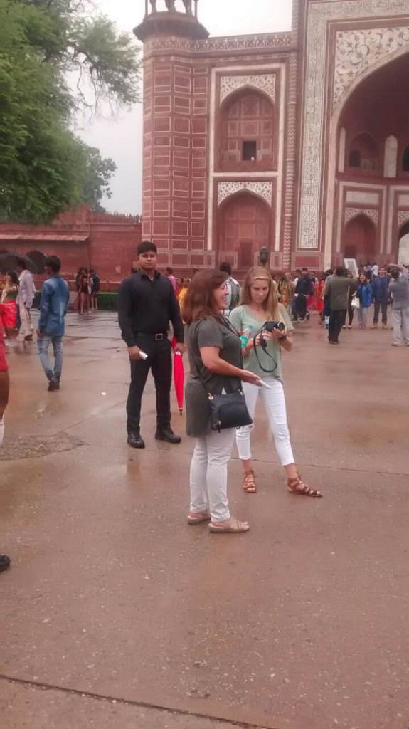 Bodyguards in Agra for foreigners