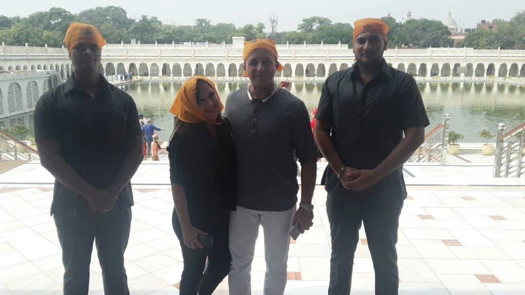 americans-traveling-india-at-bangla-sahib-delhi-with-security-officers